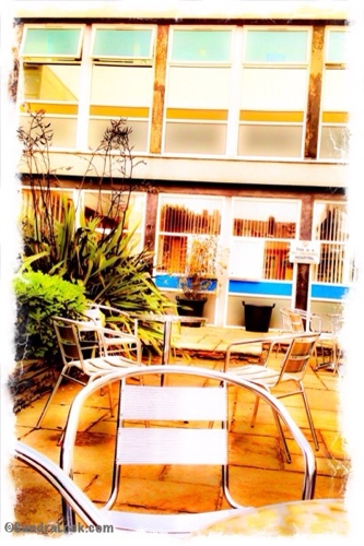 Aintree hospital courtyard